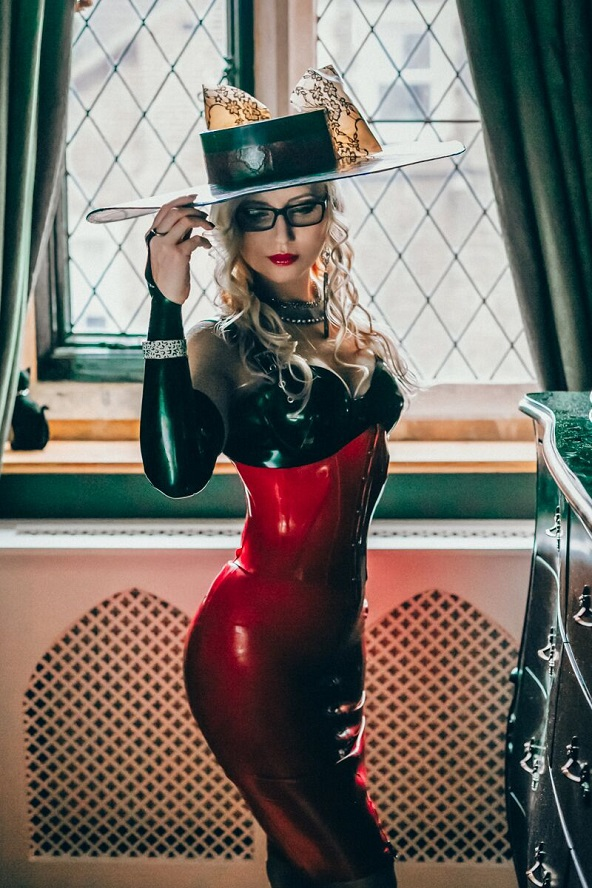 window red latex domme